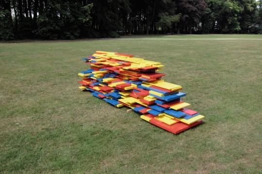 Nomad.The Deconstruction of Place proef opstelling in park van Brasschaat.